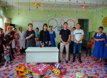 Одил Ахмедов принёс радость детям в детских садах Намангана