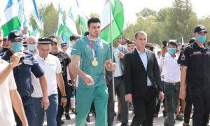 Bakhodir Jalolov received hero's welcome in Surkhandarya region (photo gallery)