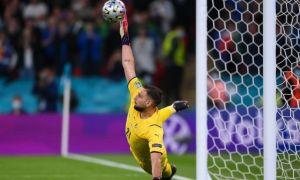 Второй раз в истории Евро лучшим футболистом признан вратарь.