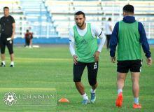 Футболисты клубов Суперлиги начали сдавать тесты по физической подготовке