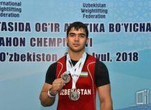 Оғир атлетикачимиз Акбар Жўраевдан 3 та кумуш медаль