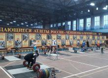 Продолжается казанский сбор наших тяжелоатлетов