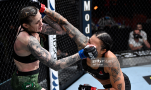"""""""UFC-259"""". Нуньес - Андерсон тўқнашуви 1 раунд давом этди"""