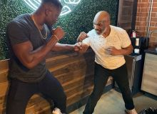 UFC жангчиси Нганну британиялик Тайсонга қарши жанг учун АҚШлик Тайсондан сабоқ ола бошлади... Томоша қилинг