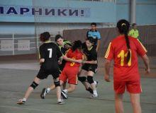В Джизаке прошел 2-й тур чемпионата страны по гандболу