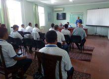 В Андижане проходит учебный семинар по обновлению знаний тренеров