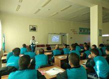 В Хорезмской области проходят тренерские курсы АФУ по обновлению знаний