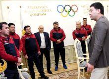Умид Аҳмаджонов Суперлиганинг «Про» лицензияси учун таҳсил олаётган мураббийлари билан учрашди