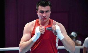 Баходир Жалолов не оставил никаких шансов азербайджанскому боксёру
