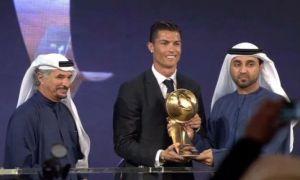 Роналду қаторасига 3-марта Globe Soccer Awards совринини қўлга киритди