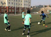 Женская сборная Узбекистана U-19 готовится в Намангане к важным соревнованиям (Фото)