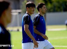 Национальная сборная Узбекистана провела заключительную тренировку перед вылетом в Палестину (Фото)
