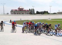 Мастера по велотреку стартовали на Открытом чемпионате Республики