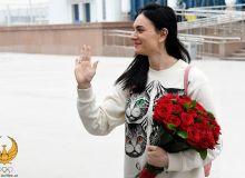 Легенда мирового спорта Елена Исинбаева прилетела в Ташкент
