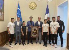 Посол Узбекистана во Франции принял наших каратистов