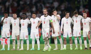УЕФА Англия терма жамоасини жиддий жазога тортди