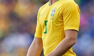"""Артур: """"Барса""""даги ҳолатимни тушунаман, лекин Бразилия термасида ўйнаш мен учун шараф"""
