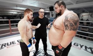 212 кг россиялик ММАда дебют қилди ва 20 сонияда рақибини нокаутга учратди
