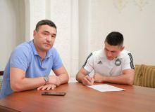 Акмаль Хазраткулов и Феруз Фахриддинов продлили контракт с