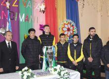 Футболисты АГМК встретились с воспитанниками специализированной школы в Алмалыке