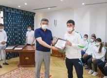 Награждены пара-атлеты, завоевавшие лицензии Токио-2020
