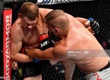 """""""UFC 251"""" доирасида яна бир жанг бўлиб ўтди"""