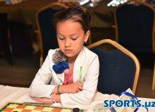 Мавлуда Махмудова и Озодбек Урмоналиев стали чемпионами мира по шашкам