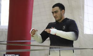 """Lazizbek Mullajonov: """"Boxing fans will compare me and Jalolov. It gives me strength!"""""""