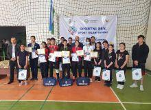 В Навои прошли соревнования по бадминтону