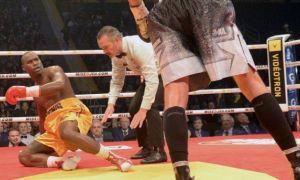 Чемпионлик жангида нокаутга учраган боксчининг аҳволи оғир