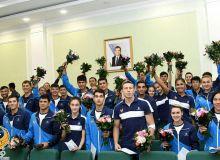 Согласно распоряжению Президента сегодня наградили победителей и призеров Азиатских игр