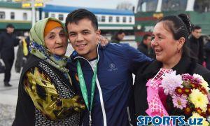 Штангисты Узбекистана вернулись с ЧМ