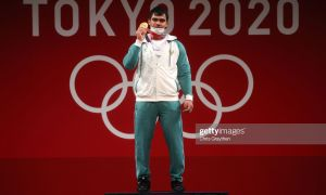 Олимпийский чемпион получил государственный номер на подаренный президентом автомобиль (ФОТО)