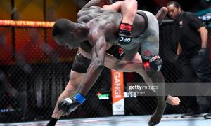"""""""UFC-259"""". Адесанья - Блахович жанги тўлиқ давом этди! (матнли трансляция)"""