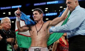 Shohjahon Ergashev enjoys a 4th round KO win over Abdiel Ramirez