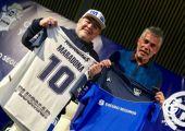 Maradona sign1