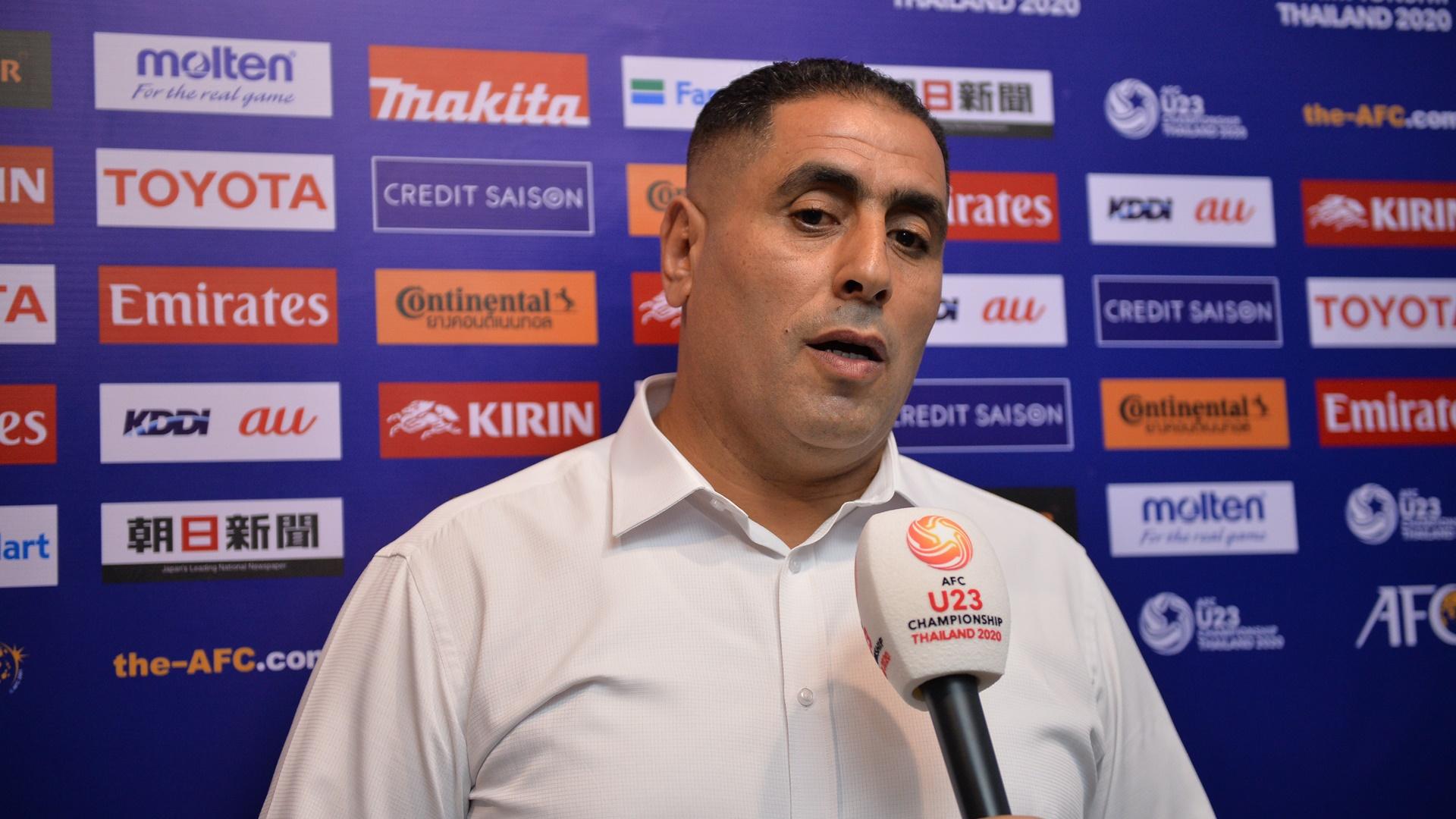coach-ahmed-abdel-qader-u23-dpr-korea-vs-u23-uae-afc-u23-championship-2020-group-stage_1dbcvy8l3tdzj16p19ov154l73_1