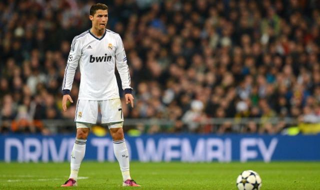 Cristiano-Ronaldo-Real-Madrid-Free-Kick