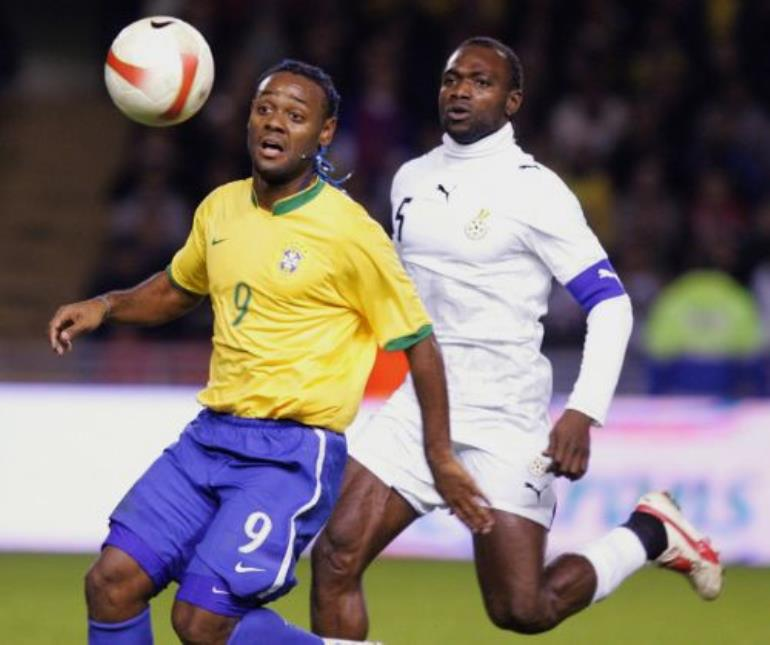 futbolist-sbornoy-brazilii-vagner-lav