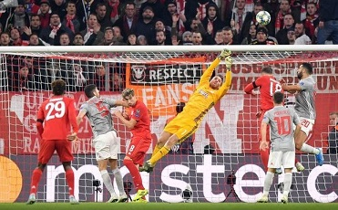 JoseSa-Bayern-Olympiacos