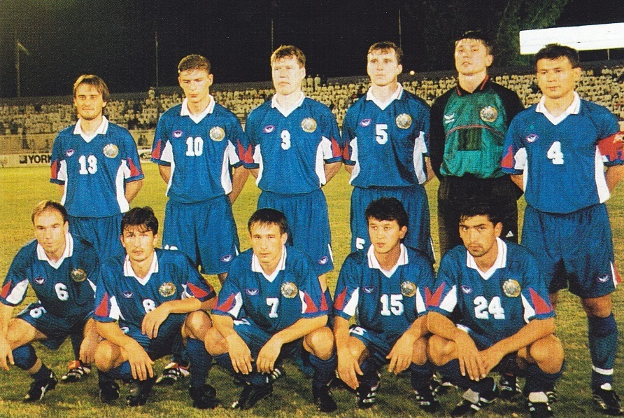 Uzbekistan-1999-GRAND-SPORT-away-kit-blue-blue-blue-line-up_1